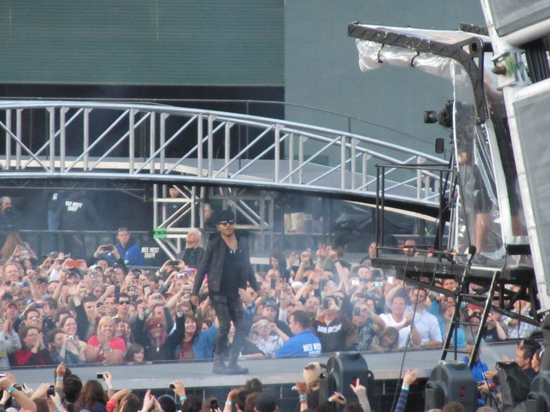 Lenny Kravitz on catwalk at o.co coliseum