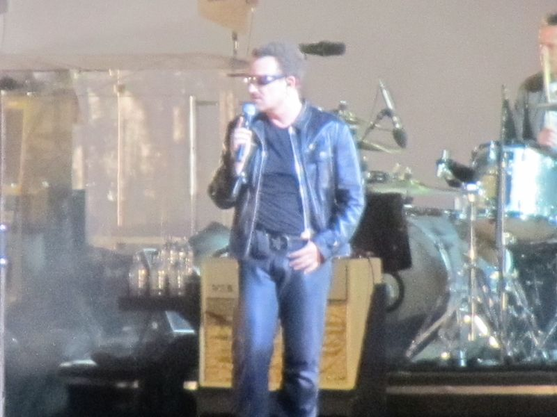 Bono at U2 o.co Coliseum 6/7/11
