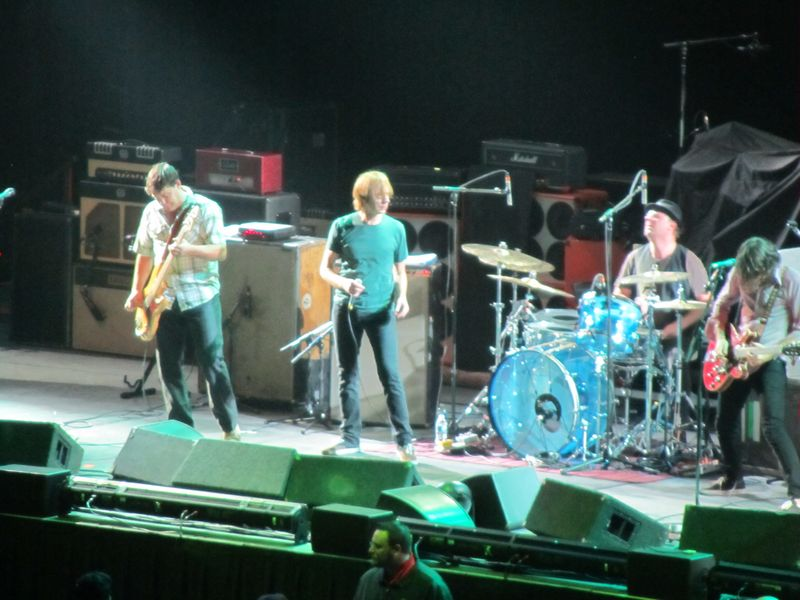 Mudhoney in Winnipeg with Pearl Jam 9/17/11