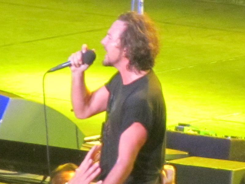 Eddie Vedder Pearl Jam Winnipeg 9/17/11