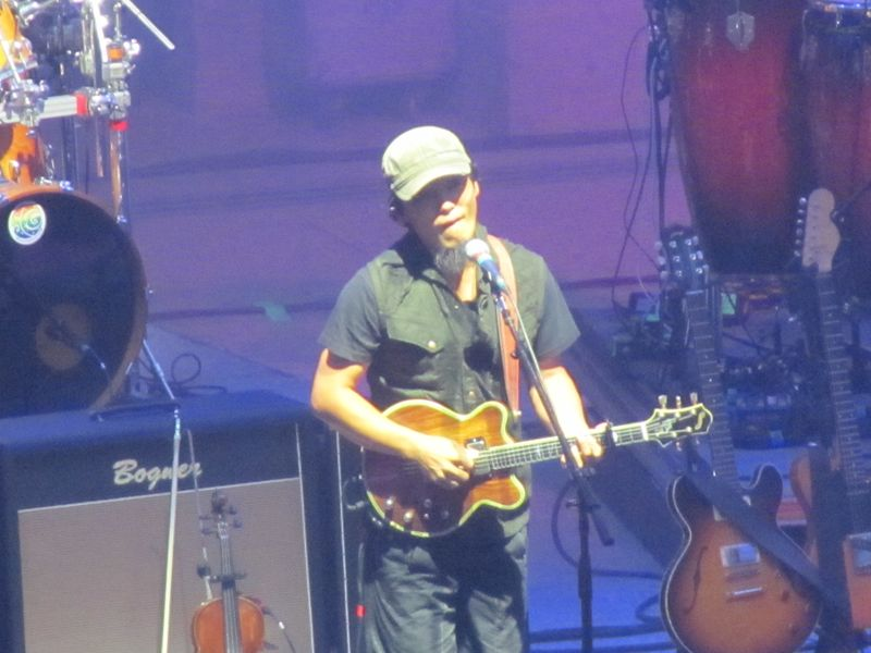 Michael Kang of String Cheese Incident