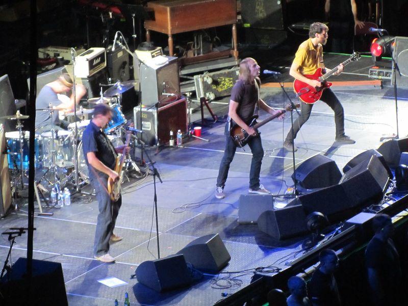 Mudhoney opening for Pearl Jam 9/30/12