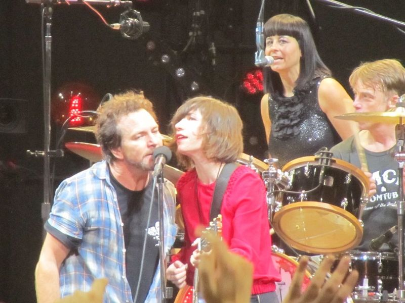 Eddie Vedder and Carrie Brownstein Pearl jam Portland OR 11/29/13