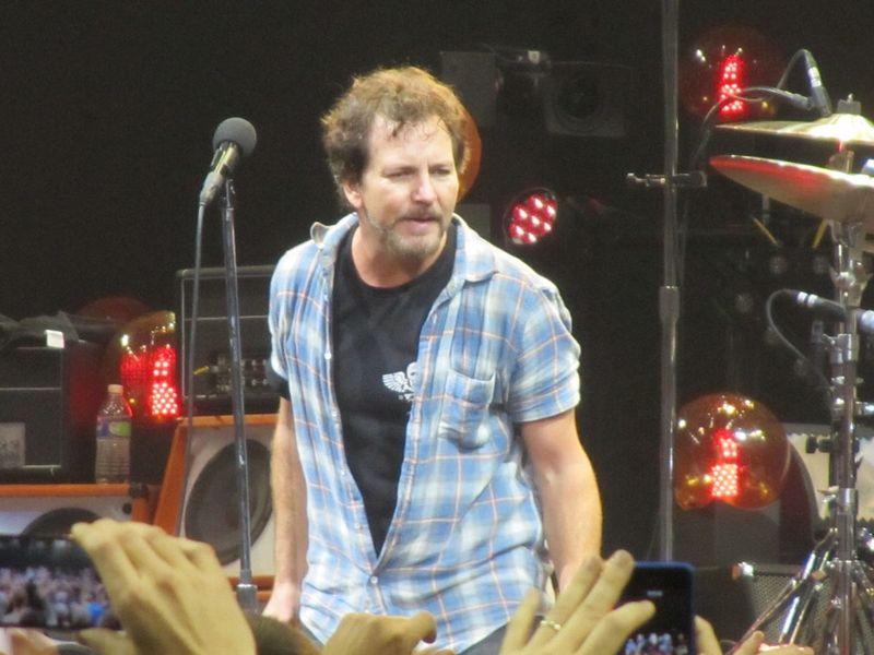Eddie Vedder Pearl Jam Portland OR 11/29/13