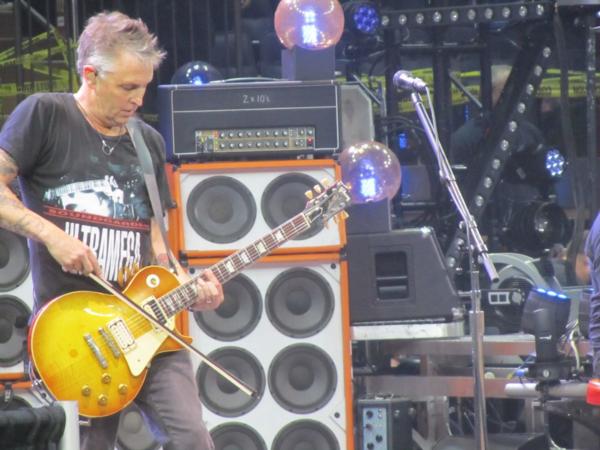 Madison Square Garden: New York NY: Pearl Jam 5/1/16 At Madison Square Garden